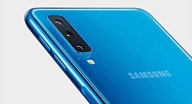 Samsung'tan üç arka kameralı telefon: Galaxy A7