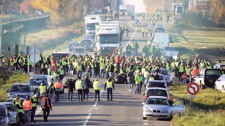 Fransa'daki protestolarda bir kişi hayatını kaybetti