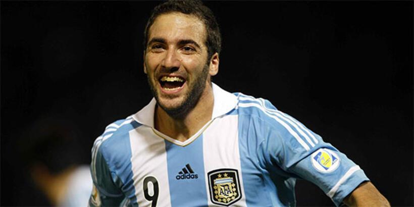 Gonzalo Higuain, milli takımı bıraktı