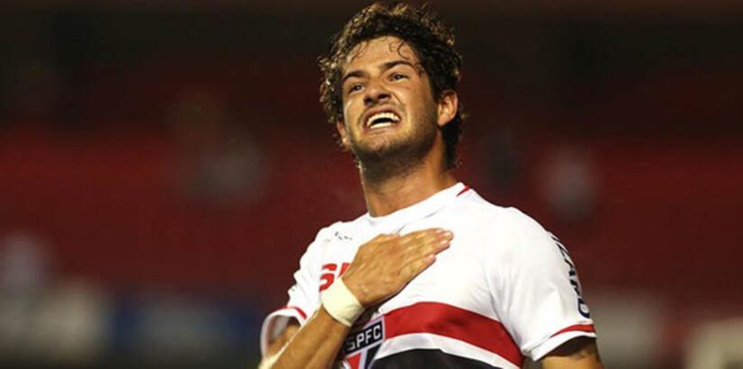 Alexandre Pato, Sao Paulo'ya imzayı attı!
