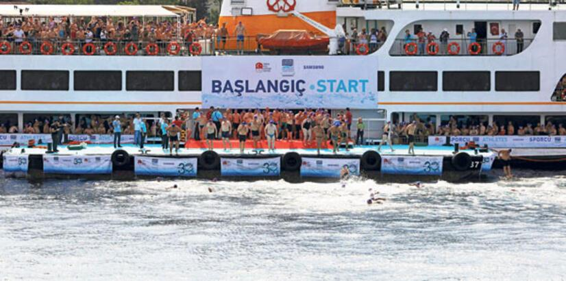 Yüzme yarışına büyük ilgi