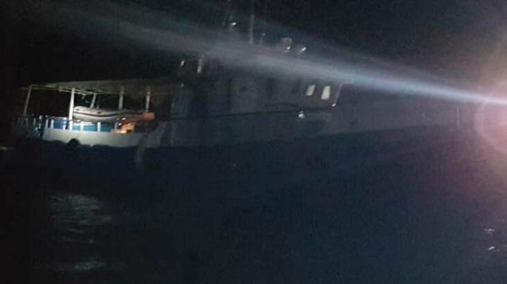 Tekneleri karaya oturunca yakalandılar!