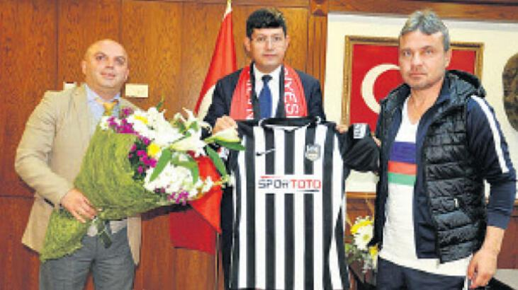 Naz Naz'dan Başkan Özcan'a ziyaret