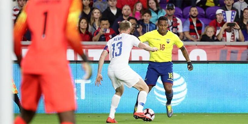 Antonio Valencia, Manchester United'a veda etti