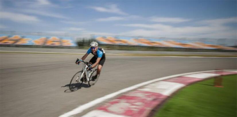 Formula 1 pistinde bisiklet yarışı