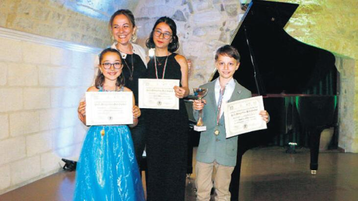Piyanonun yıldızları İtalya'da birinci oldu
