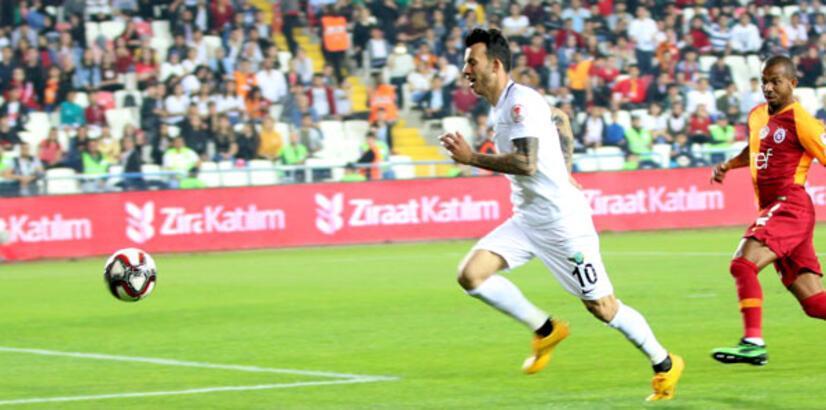 Denizlispor'dan Akhisarspor'a kanca