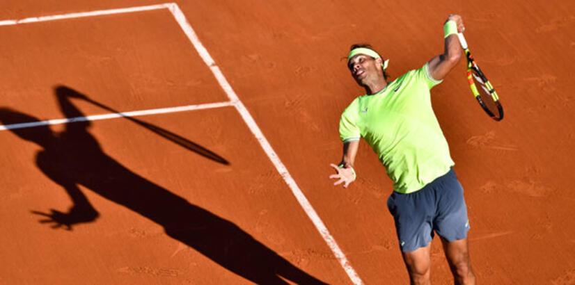 Nadal ile Federer tur atladı!