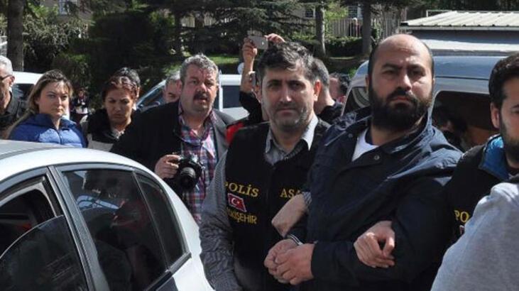 4 akademisyeni öldürmüştü! Mahkemede başını duvara vurup hakaretler yağdırdı