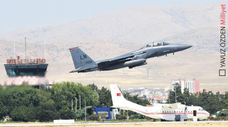 ABD tatbikata  F-15'lerle geldi