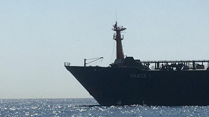 Suriye'ye ham petrol taşıyan tanker Cebelitarık'ta durduruldu