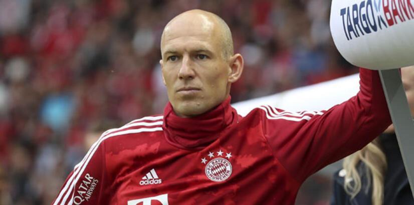 Arjen Robben futbolu bıraktığını açıkladı!