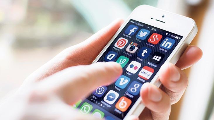 Gece sosyal medya  gönderisine dikkat!