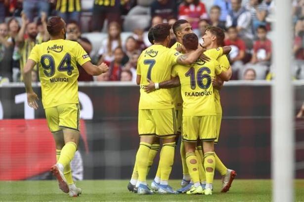 Fenerbahçe Cagliari maçı ne zaman saat kaçta hangi kanalda canlı yayınlanacak?