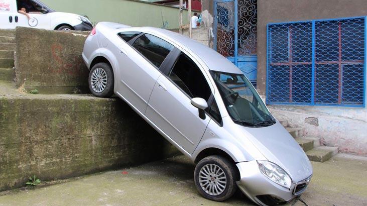 Yolu şaşıran sürücü 3 metrelik duvardan uçtu!