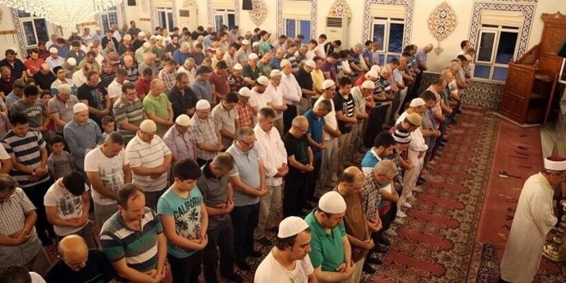 Bayram namazı saat kaçta? Ankara, İstanbul, İzmir ve diğer illerin Kurban Bayramı namaz vakitleri...