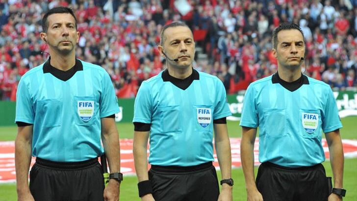 Süper Lig hakemlerinin en tecrübelisi Cüneyt Çakır