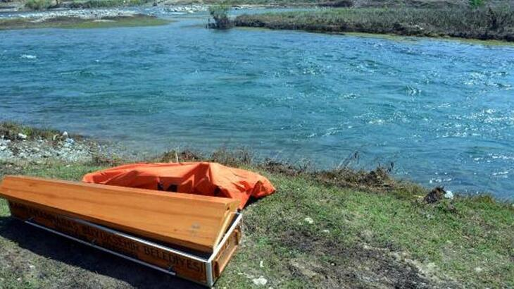 Serinlemek için girdiği nehirde boğuldu!
