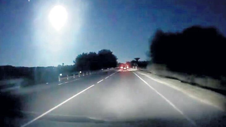 Gökyüzü meteorla aydınlandı