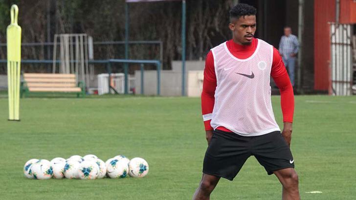 Yeni transfer Baiano, ilk antrenmanına çıktı