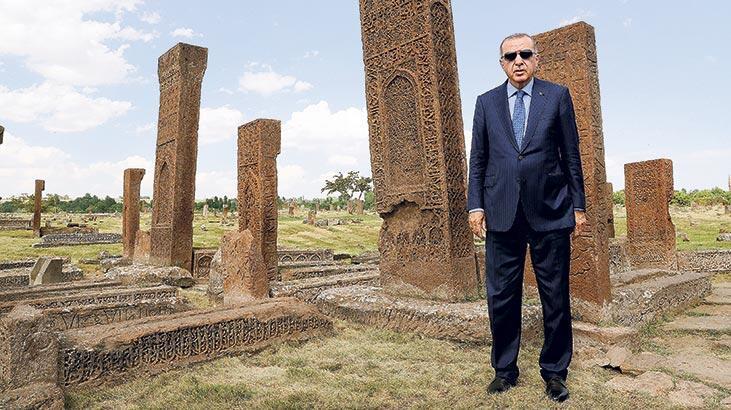 Erdoğan, Malazgirt'ten Suriye konusunda net mesajı verdi: Güvenli bölge'ye yakında gireceğiz