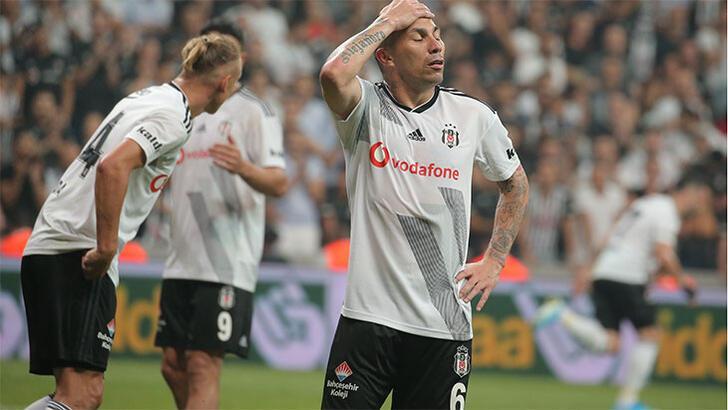 Medel, Beşiktaş'la vedalaştı! Burak ayrılığı açıkladı...