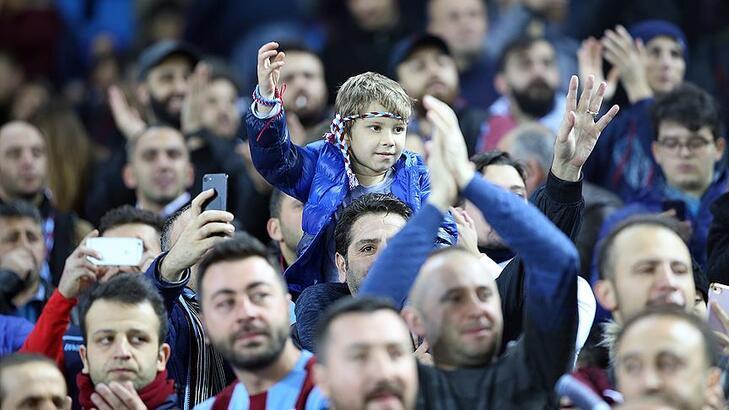 Trabzonspor AEK maçı ne zaman? Saat kaçta, hangi kanalda?