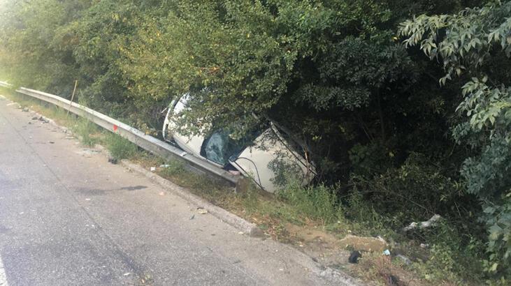 Emniyet şeridinde duran araca arkadan çarptı: 1 ölü, 9 yaralı