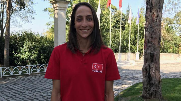 Gözde Kırdar'dan Milli Takım'a destek