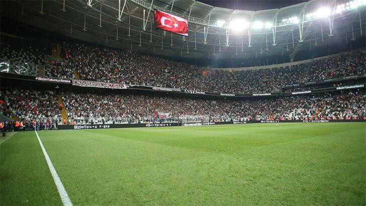 Beşiktaş'tan Galatasaray'a 'üçlü' göndermesi