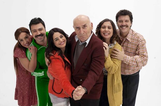 Mutlu Aile Defteri filminde kimler oynuyor? Film ne zaman vizyona girdi?