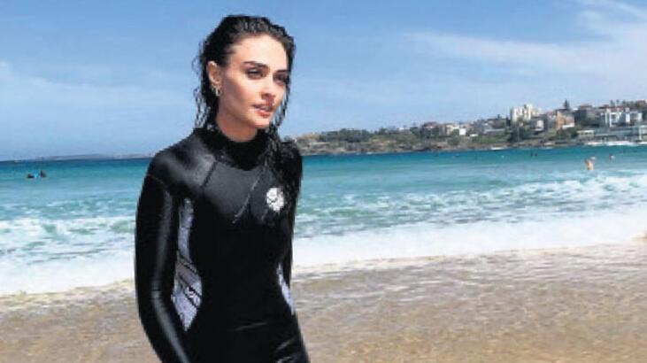 Sydney'de sörf yaptı