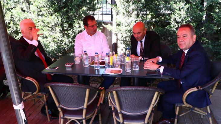 CHP'nin 4 büyükşehir belediye başkanı kahvaltıda buluştu