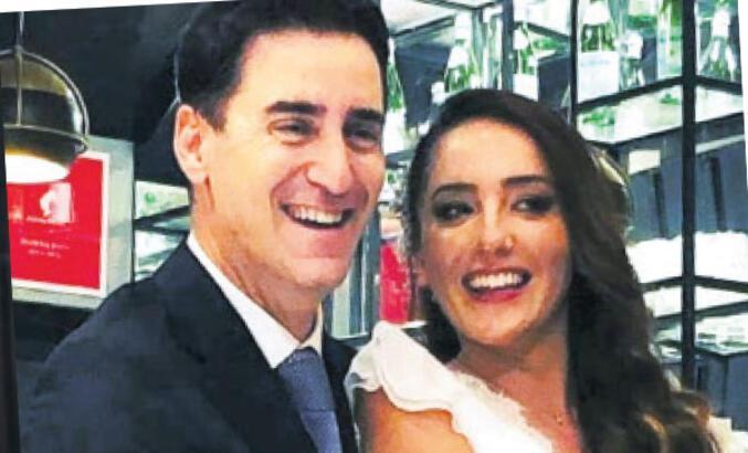 Aksoy evlendi