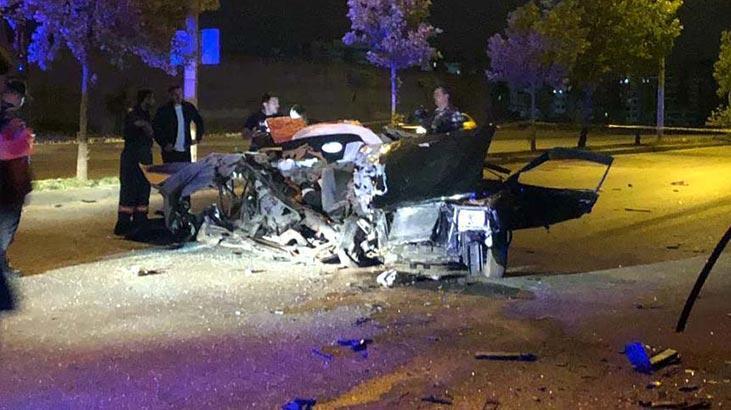 Gece yarısı feci kaza! Kimliği bile belirlenemedi...