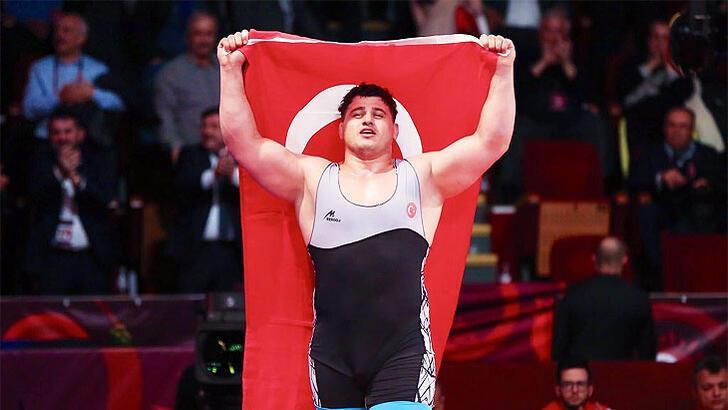 Son dakika... Rıza Kayaalp, 4. kez Dünya Şampiyonu oldu