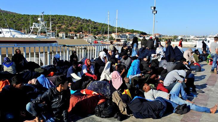 Çeşme'de 296 düzensiz göçmen yakalandı