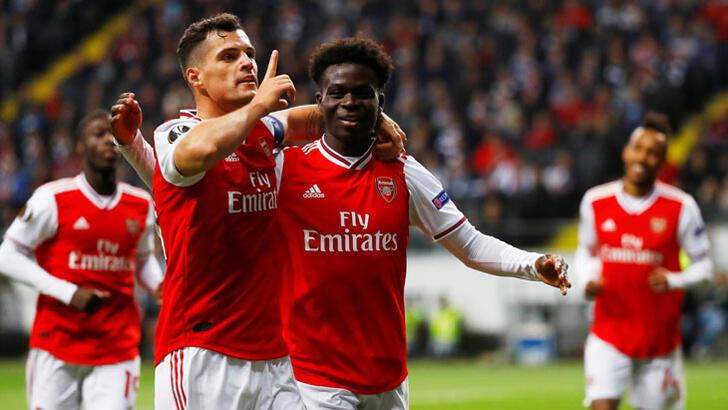 Arsenal, Frankfurt'u dağıttı!