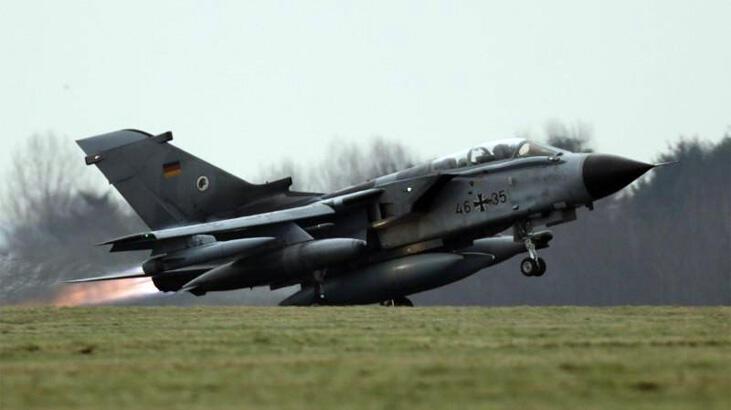Almanya'da Tornado jetinin yakıt tankları düştü