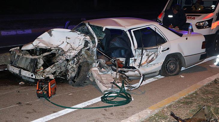 Otomobil ata çarptı: 1 ölü, 2 yaralı