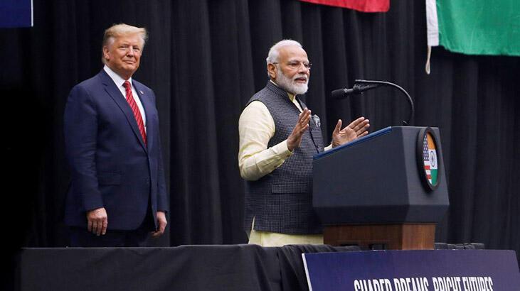Trump ve Modi Teksas'ta bir araya geldi