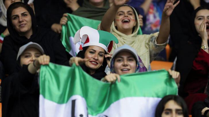 İran'da kadınlara izin çıktı