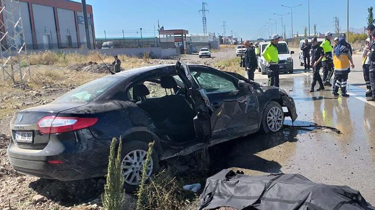 Oğlunu birliğine bıraktı dönüşte kaza yaptı: 2 ölü, 3 yaralı