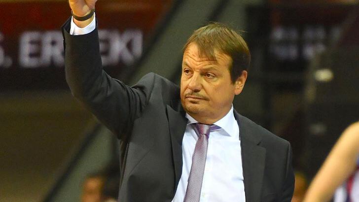 """Ergin Ataman: """"Sezona geçen yıl olduğu gibi kupayla başlıyoruz"""""""