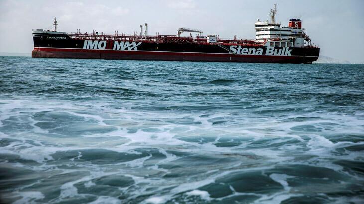 Alıkonulan İngiliz petrol tankeri İran kıyılarından ayrıldı