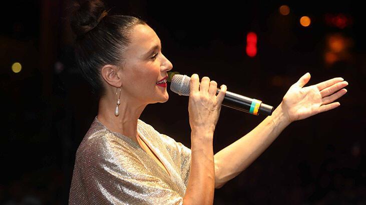 Adana'da Şevval Sam konseri