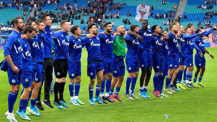 Ozan Kabak'lı Schalke, Leipzig'e ilki yaşattı!