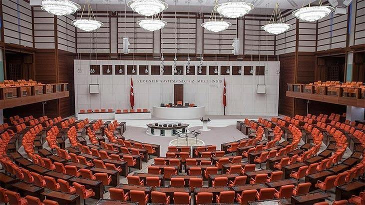 Partilerden Meclis'te yeni  yasama yılı için mesajlar
