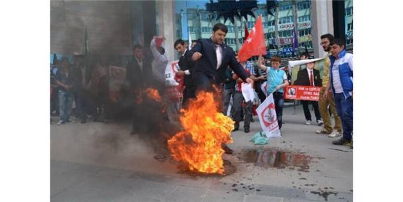 HEPAR İL BAŞKANI, SÖZDE PKK BAYRAĞINI YAKMAK İSTERKEN KENDİNİ YAKTI