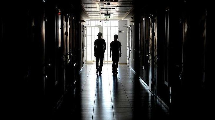 Cezaevindeki FETÖ'cüler birbirlerine ajan testi yapıyor